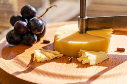 Kaesehobel Rosette mit Käse