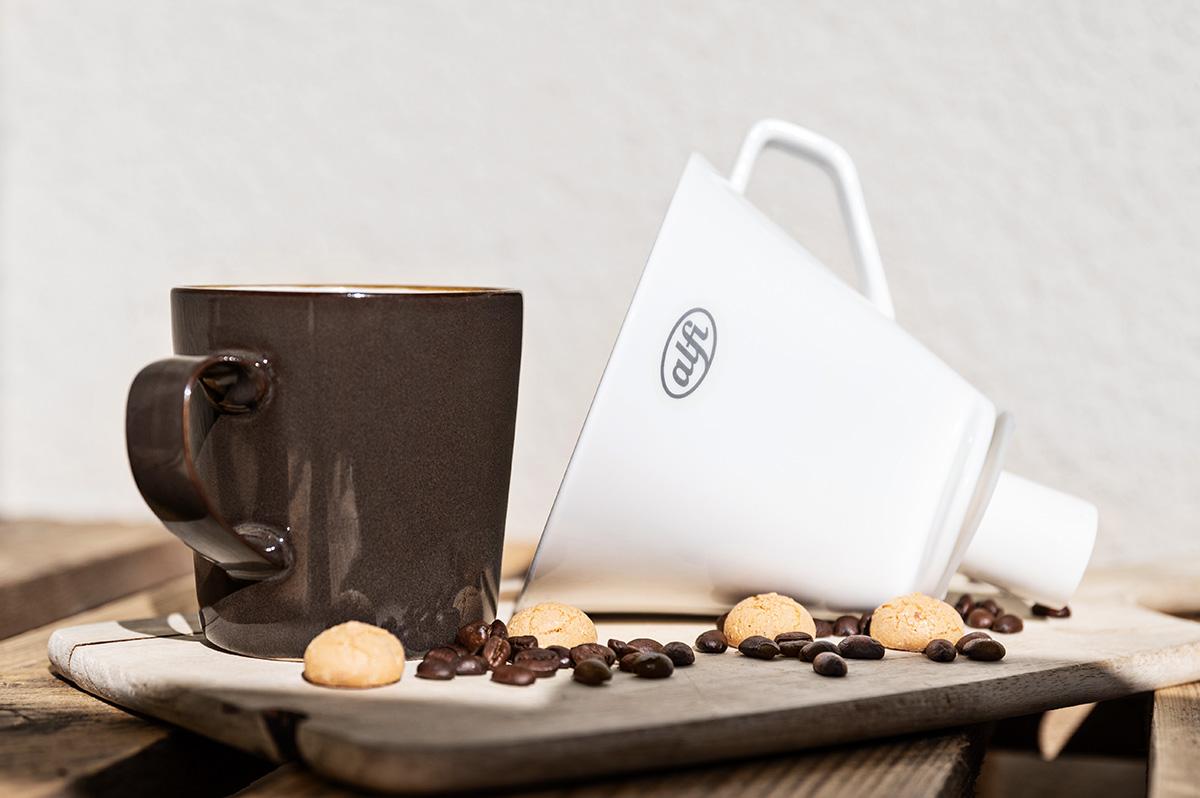 Geschenkideen für Kaffeeliebhaber Kaffeetasse und Filter