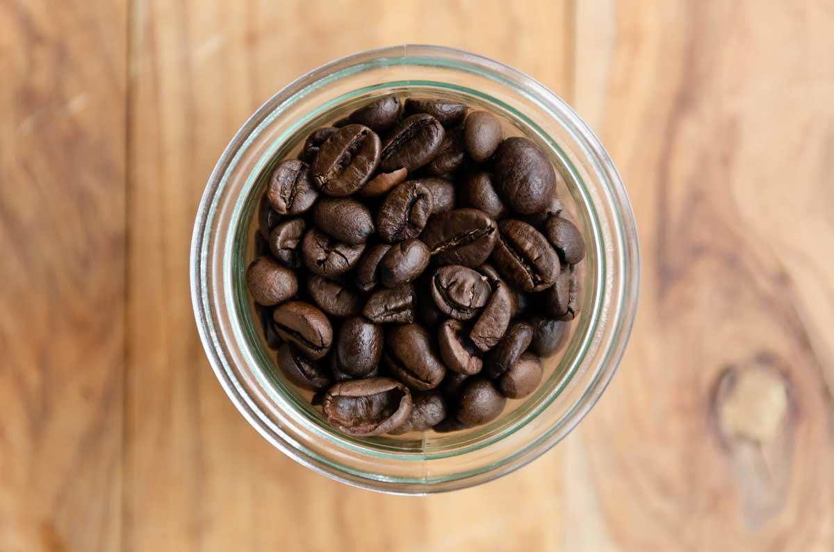 mit french press kaffee zubereiten