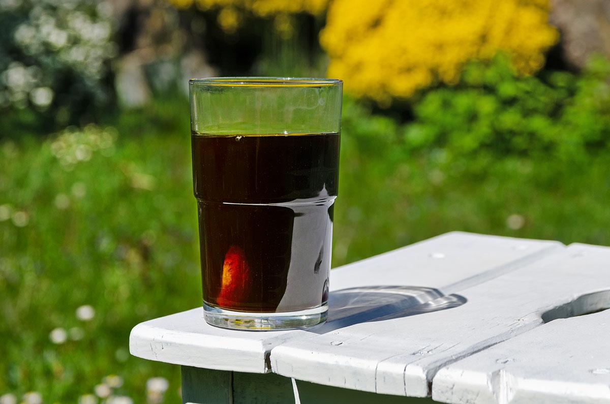 Sommergetränk Cold Brew Kaffee mit Orange