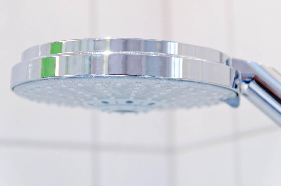 was tun gegen hitze lauwarme dusche