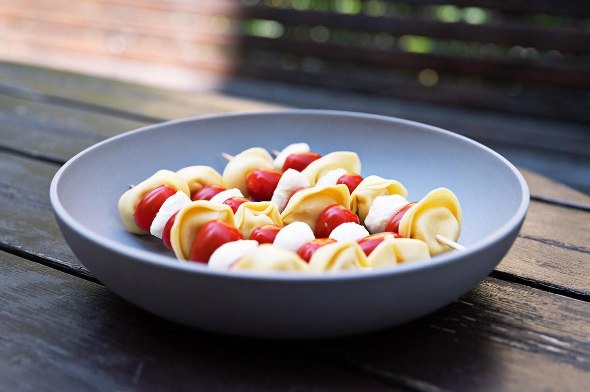 nudelsalatspieße als einfache picknickidee