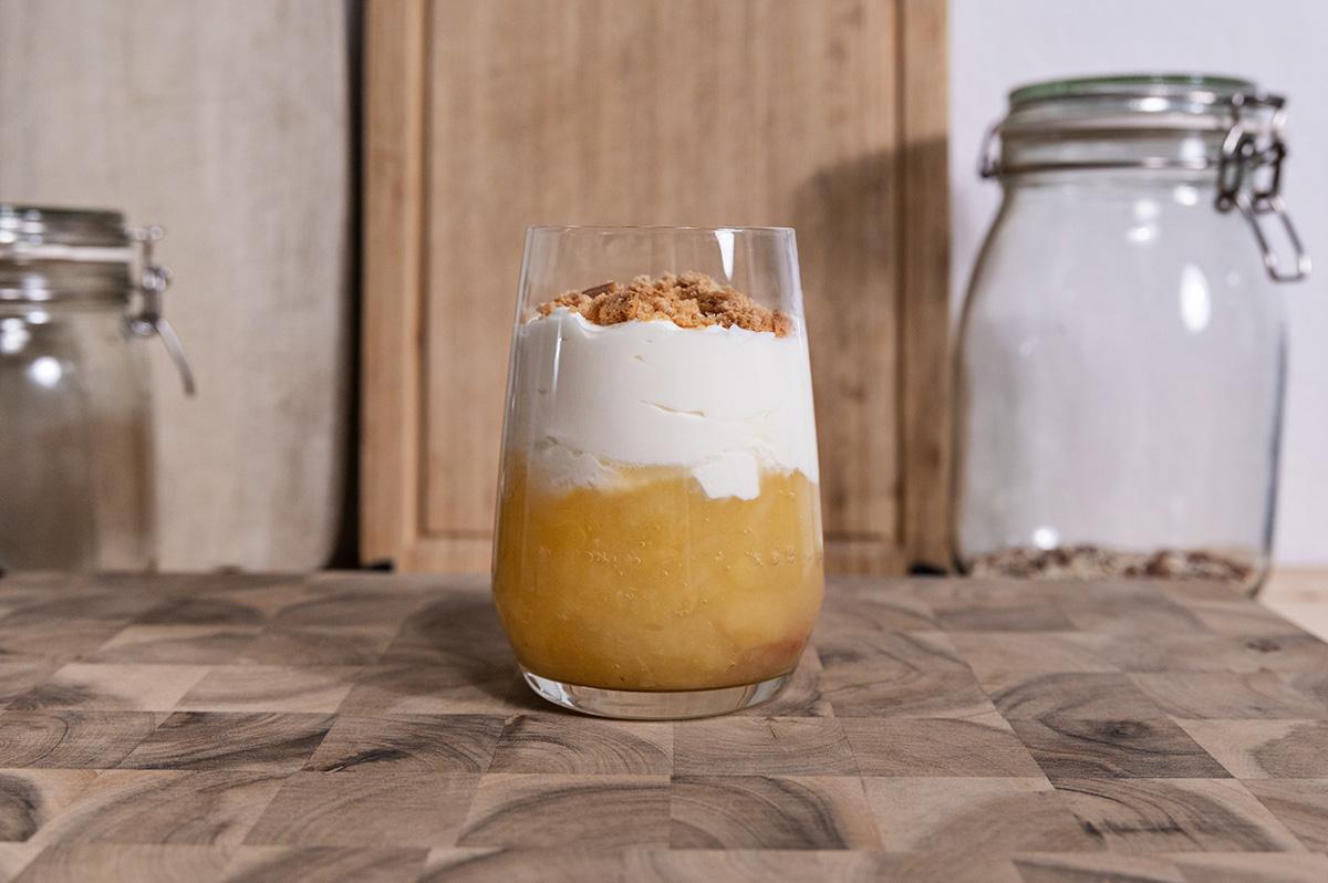 Apfel-Zimt-Dessert im Glas