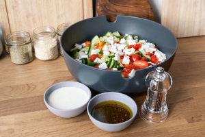 Salat mit Salat-Dressing