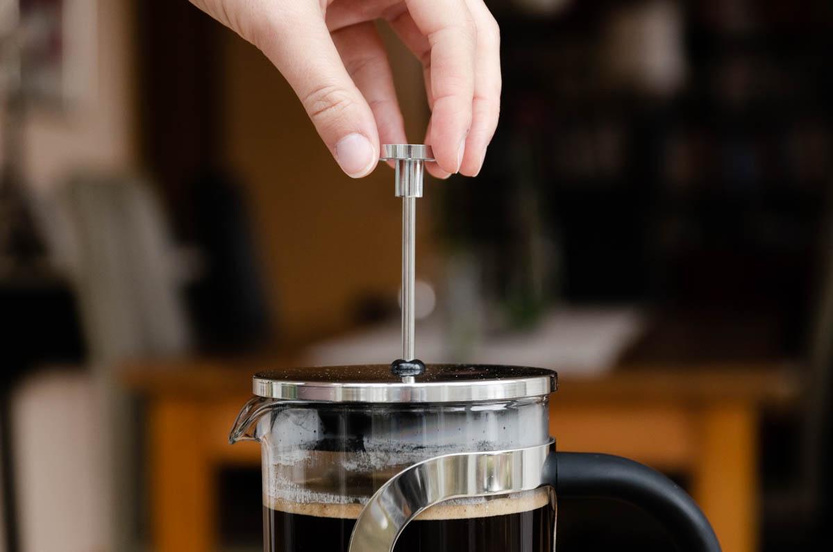 Frech Press Kaffee zubereiten
